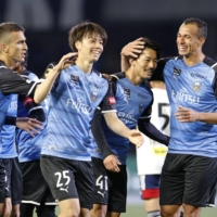 Frontale opens title defense with win as Akihiro Ienaga scores twice
