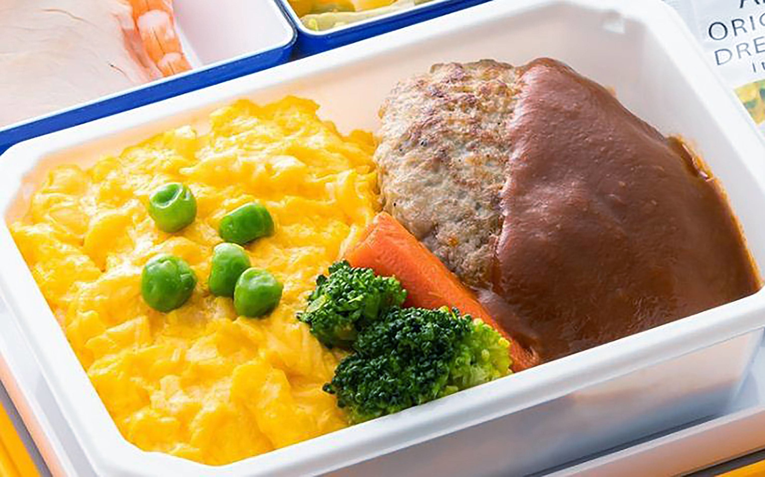 All Nippon Airways Co. began selling a limited number of in-flight meals online at the request of customers. | ALL NIPPON AIRWAYS CO. / VIA KYODO