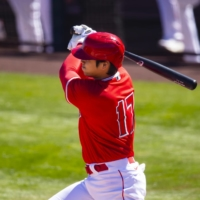 Shohei Ohtani gets two hits in Angels' spring training home opener