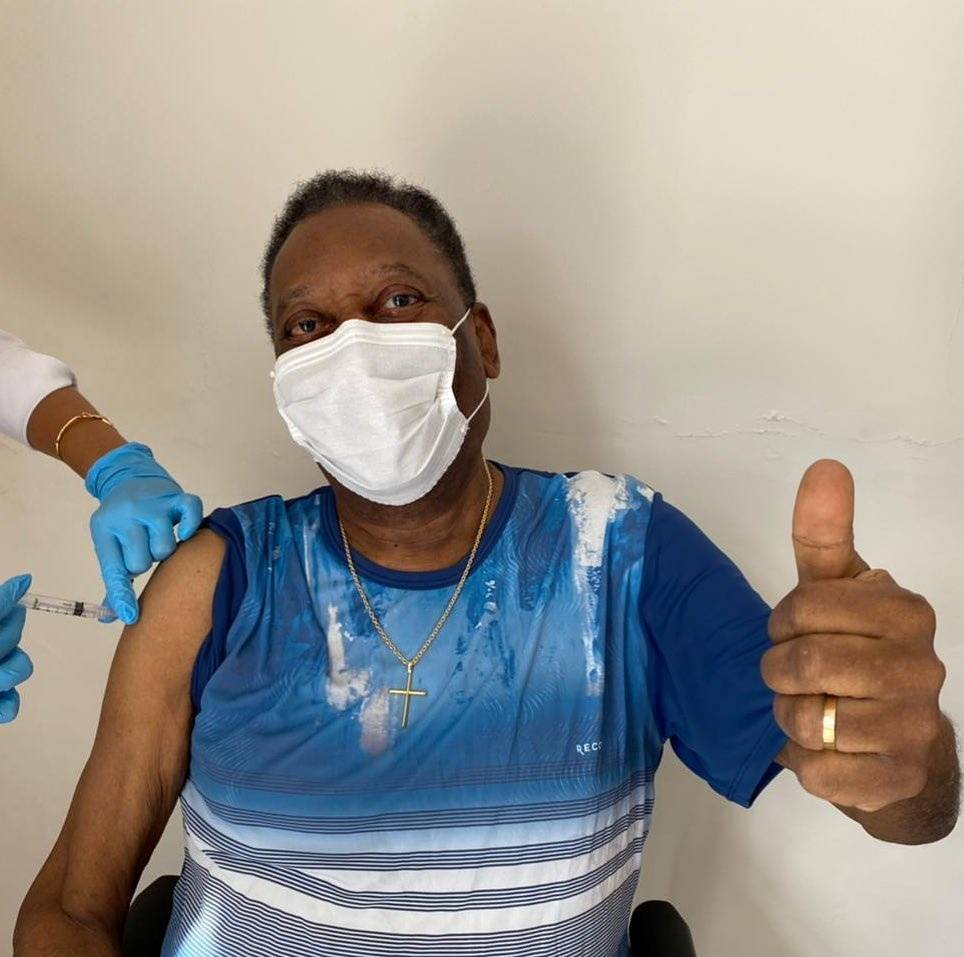 Pele hails 'unforgettable' day after getting COVID-19 vaccine | The Japan Times