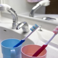 Members of the same household are being a lot more careful about mixing oral hygiene tools amid the COVID-19 pandemic. | GETTY IMAGES