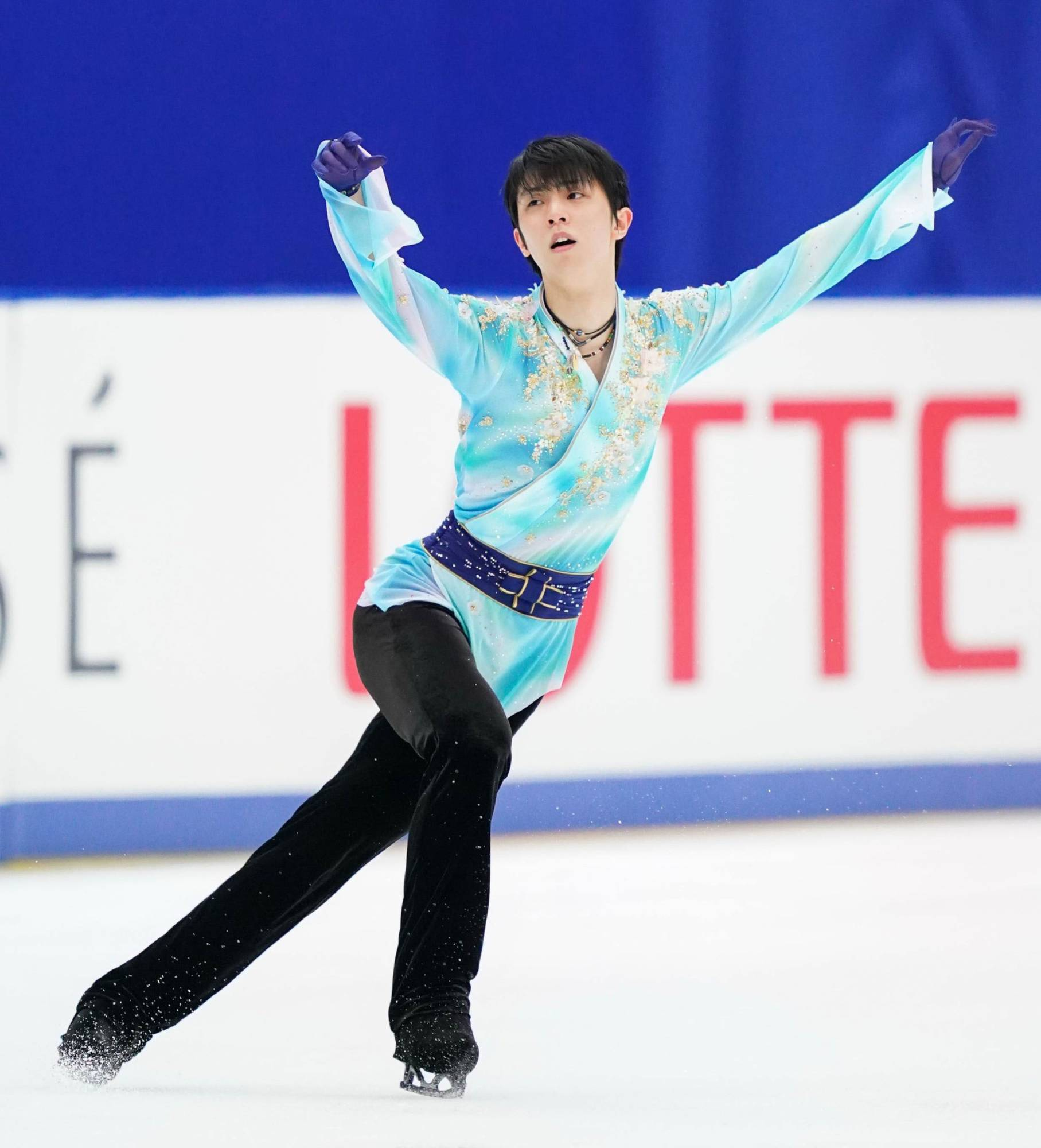 Despite being unable to travel to his training base in Canada, Hanyu captured his first national title in five years last December in Nagano. | KYODO