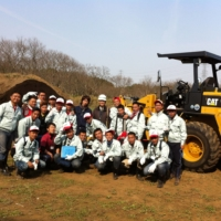 Outdoor learning: Filipino farmers attend an orientation for the Young Filipino Farm Leaders Training Program in Ibaraki Prefecture, Japan, in 2014.   COURTESY OF NEIL ANTHONY ABAN/ VIA KYODO