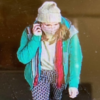 CCTV footage of missing Sarah Everard shows her on March 3 as she walks in south London.   METROPOLITAN POLICE / VIA AFP-JIJI