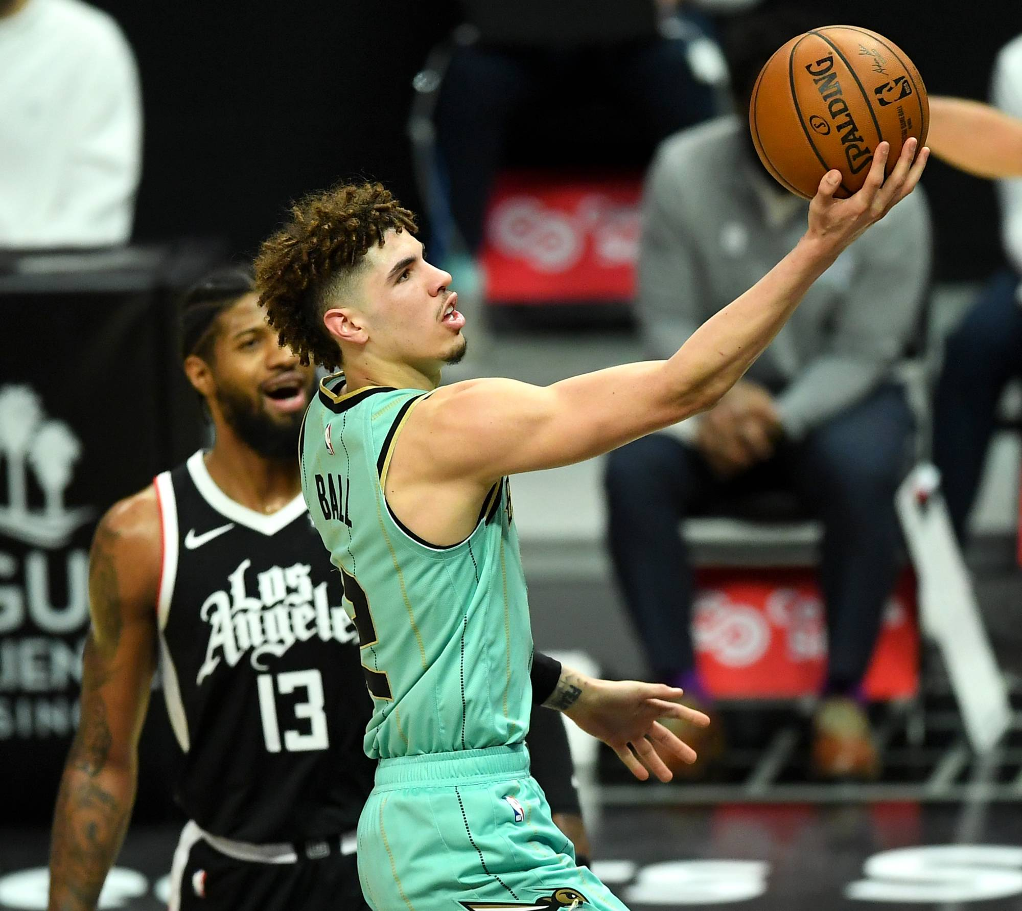 Hornets guard LaMelo Ball goes up for a layup against the Clippers in Los Angeles on Saturday.   USA TODAY / VIA REUTERS