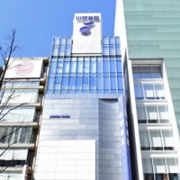 The plot for the Yamano Music Co. building in Tokyo's Ginza shopping district logged the highest land price in Japan for the 15th straight year. | KYODO