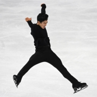 Nathan Chen wins third straight figure skating world title as Yuzuru Hanyu slips