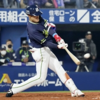 Swallows rally past BayStars for first victory of season