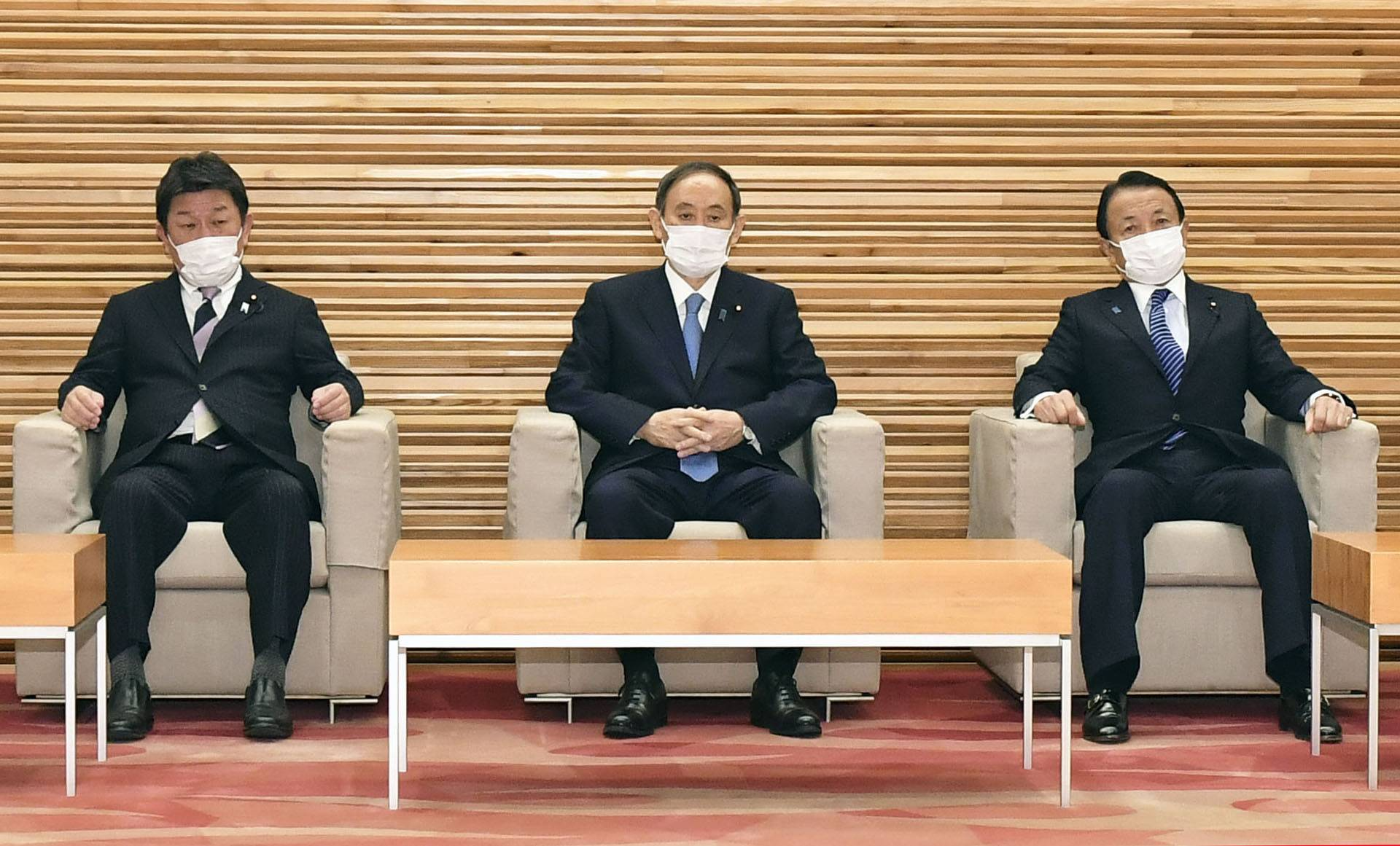 The Suga administration decided Tuesday to extend its unilateral sanctions on North Korea by two years to pressure the country to ditch its nuclear and missile programs and to make progress on the issue of its past abductions of Japanese nationals. | KYODO