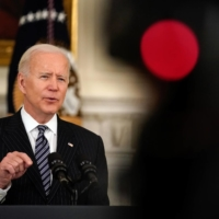 U.S. President Joe Biden speaks at the White House on Tuesday. The Biden administration is trying to calibrate a policy that protects democratic, technology-rich Taiwan without inciting a disastrous armed conflict.  | AMR ALFIKY/THE NEW YORK TIMES