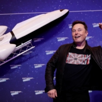 Elon Musk leaves Vladimir Putin stranded on Earth