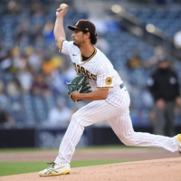Padres starter Yu Darvish pitches against the Dodgers on Saturday in San Diego. | USA TODAY / VIA REUTERS