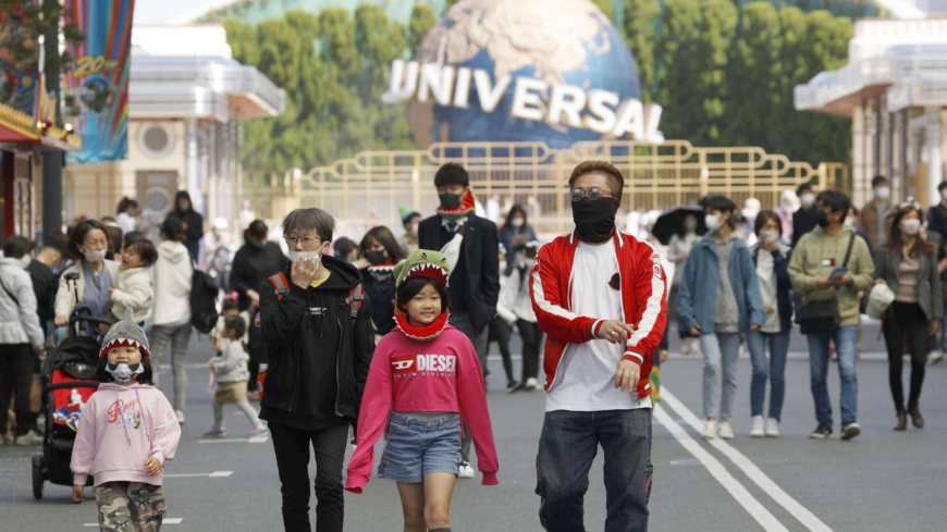 Osaka governor faces backlash over expansive virus closure requests