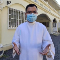 In the Philippines, tech-savvy priests like Fiel Pareja have turned TikTok into a virtual pulpit to connect with young believers. | AFP-JIJI