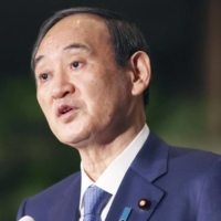 Observers are leaning toward the view that Prime Minister Yoshihide Suga will dissolve the Lower House for a snap election after the Tokyo Olympic and Paralympic Games end in September.   KYODO