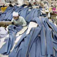 Japan's clothing industry emits 95 million tons of carbon dioxide a year, estimate shows