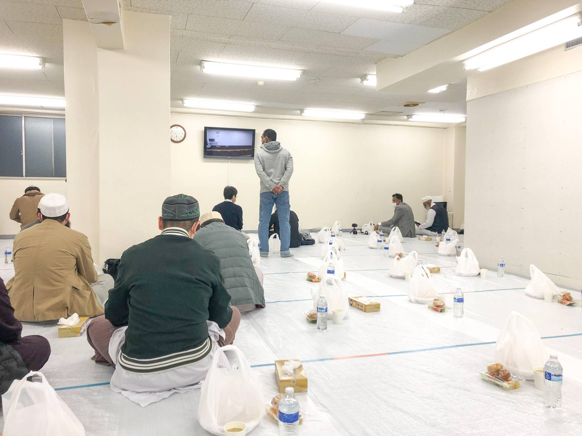 This iftar (fast-breaking meal) at a mosque in Tokyo's Okachimachi neighborhood enforces social distancing, sanitation and individually served meals | COURTESY OF KAIJI WADA
