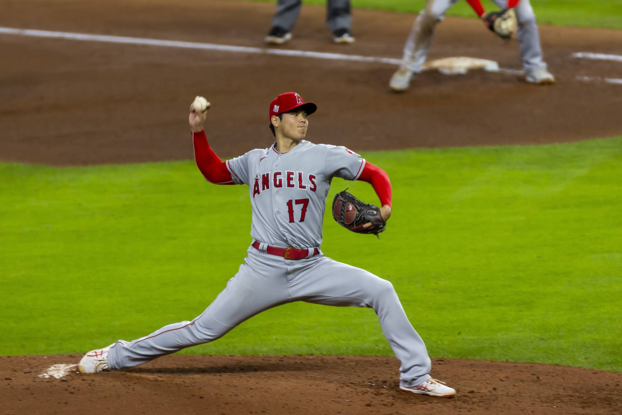Los Angeles Angels pitcher Shohei Ohtani in action against the Houston Astros in Houston on Tuesday. Ohtani, dominating as a pitcher and a hitter, is a two-way player with Ruthian possibilities.     ANNIE MULLIGAN/THE NEW YORK TIMES