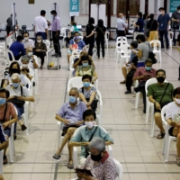 Delaying second doses offers wider immunity where vaccines are scarce
