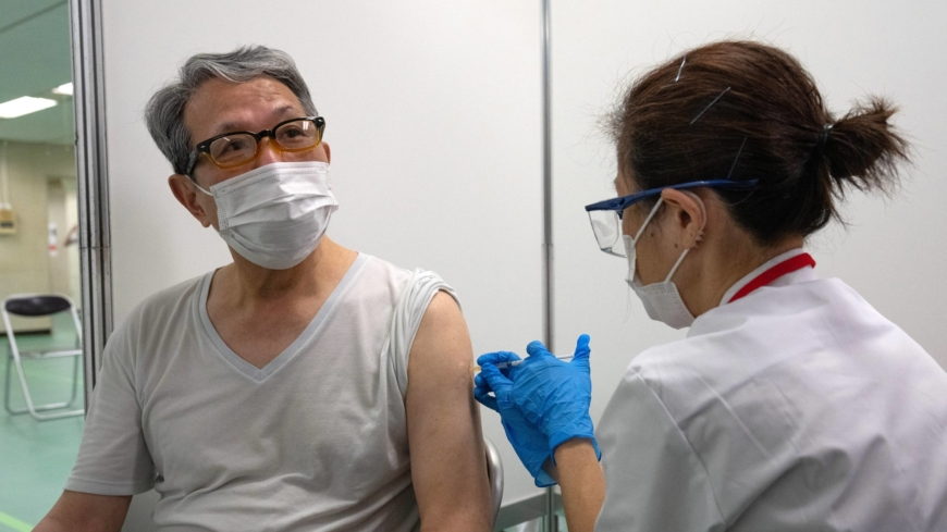 Japan to let emergency medics and lab staff administer COVID-19 vaccines