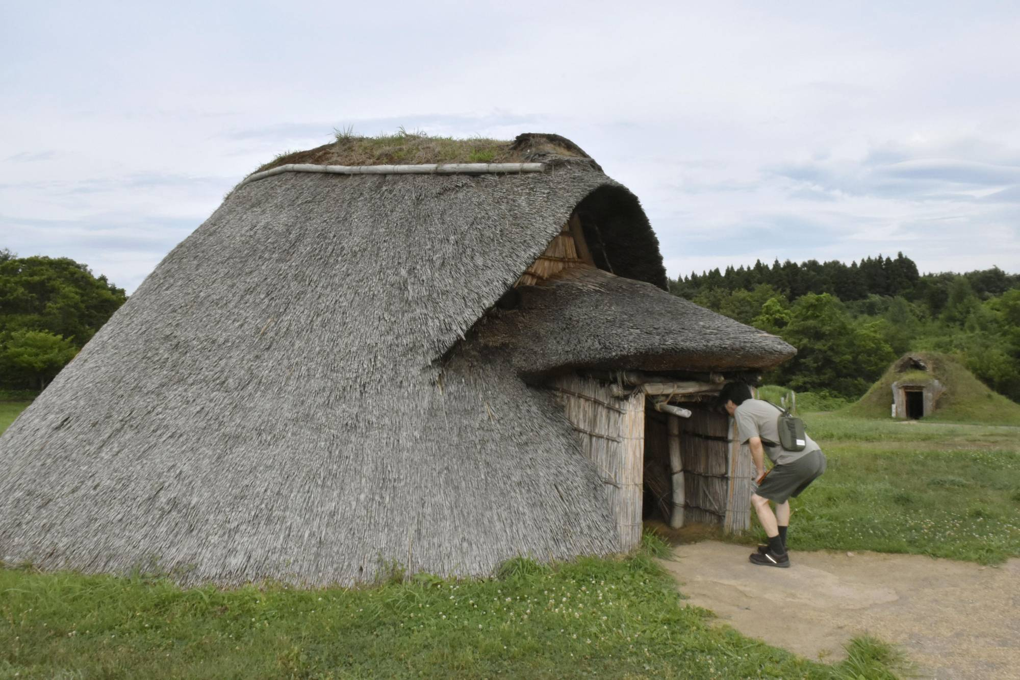 The Sannai Maruyama site in Aomori is one of 17 archaeological locations in Tohoku dating back to the ancient Jomon Period.   KYODO