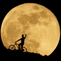 Pacific looks skyward for a 'blood moon' rising