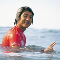 Kanoa Igarashi has qualified for the Tokyo Olympics after participating in a World Surfing Games event in El Salvador on Monday. | INTERNATIONAL SURFING ASSOCIATION / VIA KYODO