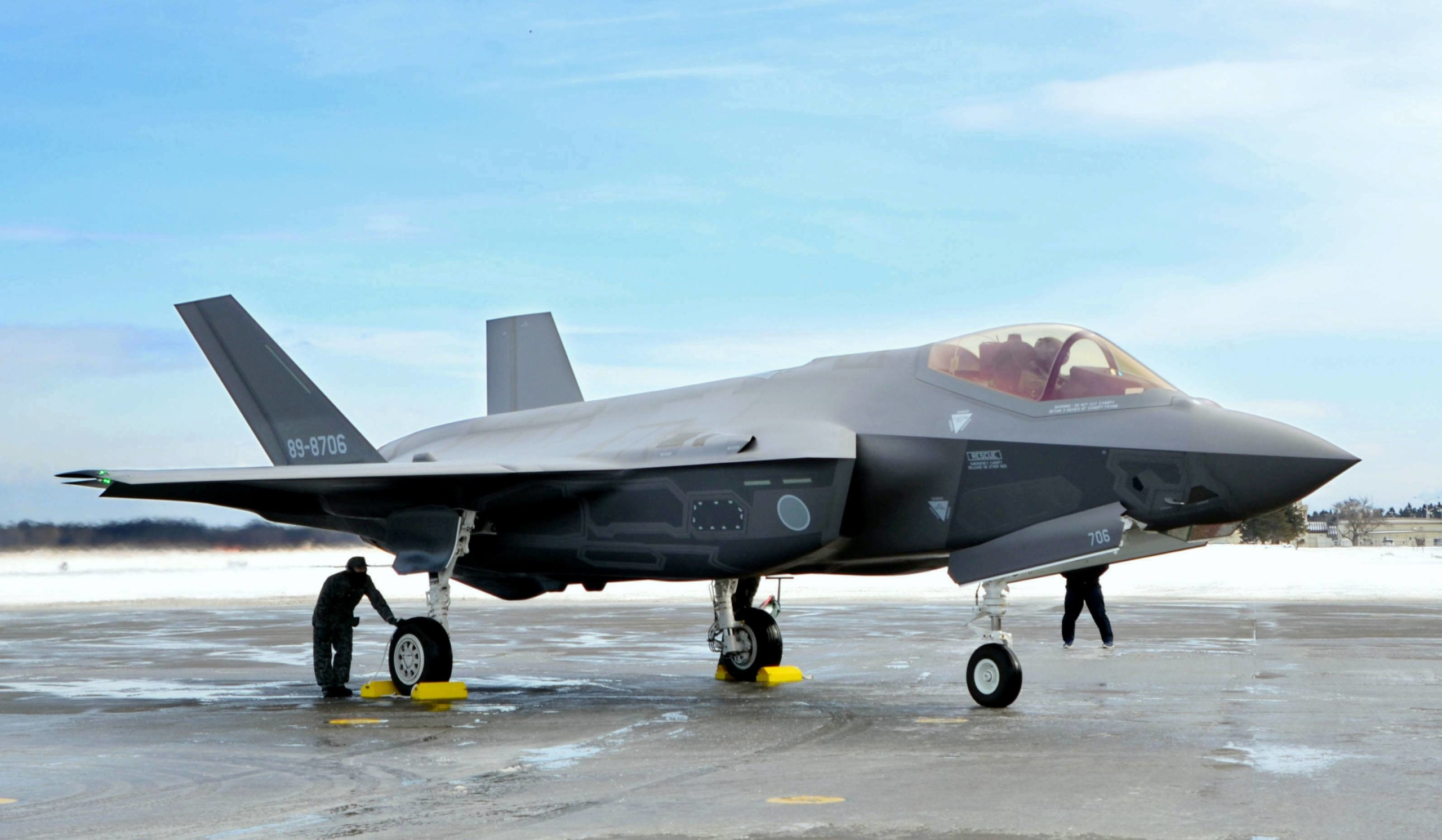 An F-35A stealth fighter jet at Misawa Air Base in Aomori Prefecture in January 2018 | KYODO