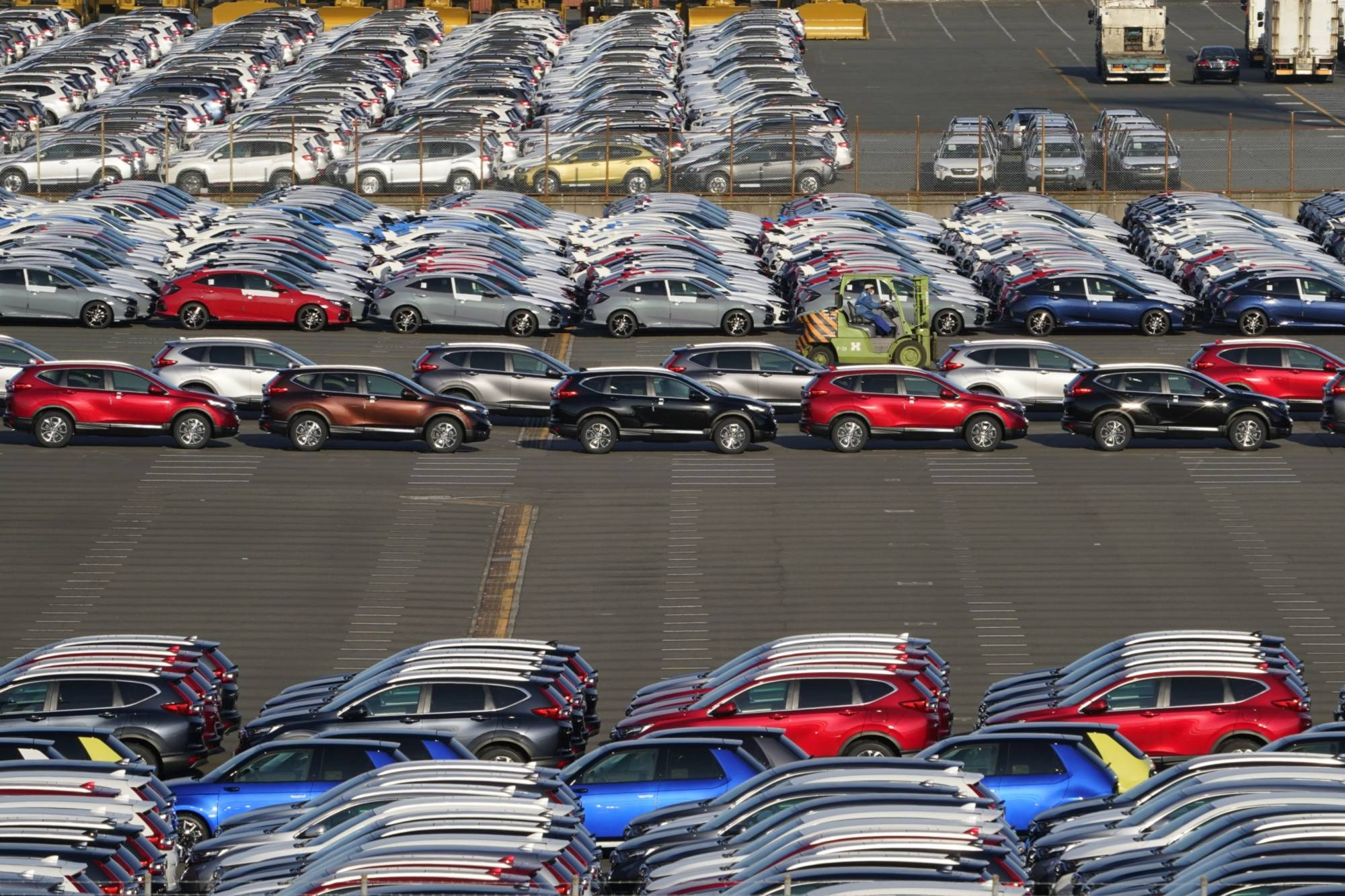 Japan's exports rose in April thanks to strong demand for cars and auto parts from overseas.   BLOOMBERG