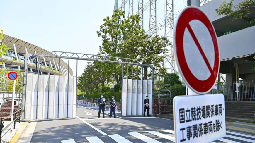 Schools pull out of Tokyo Olympic spectator program over virus fears