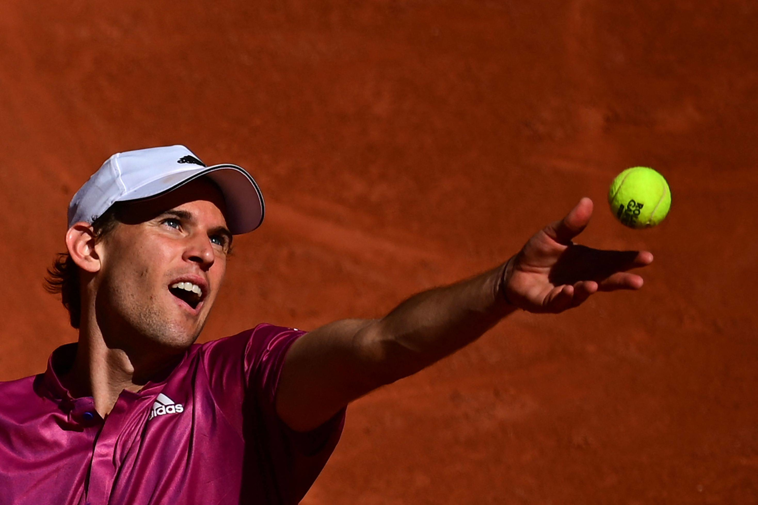 Dominic Thiem serves to Pablo Andujar during the first round of the French Open on in Paris on May 30.    AFP-JIJI