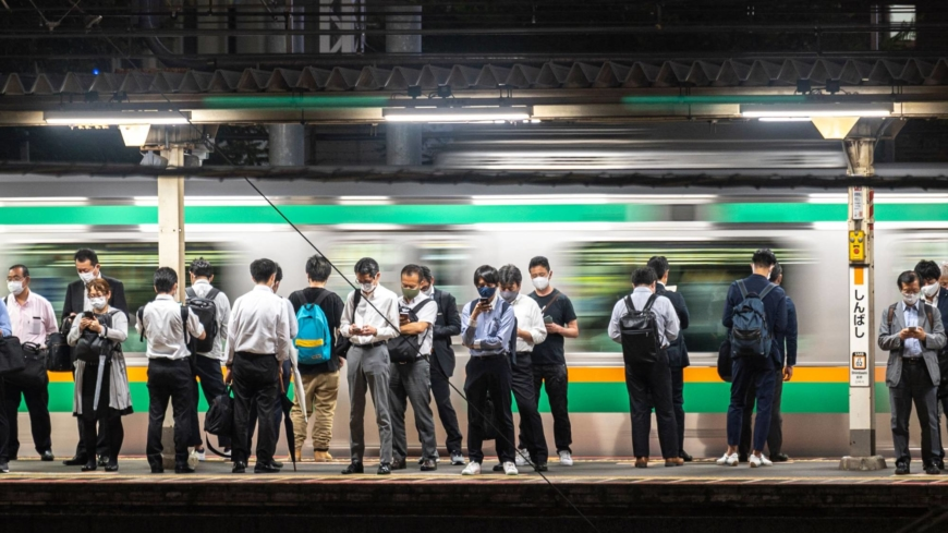 Suga's first growth strategy met with calls to tackle Japan's chronic labor issues