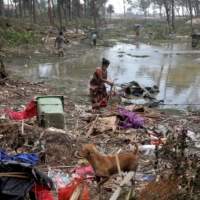In India's storm-battered Sundarbans, villagers have no place to call home