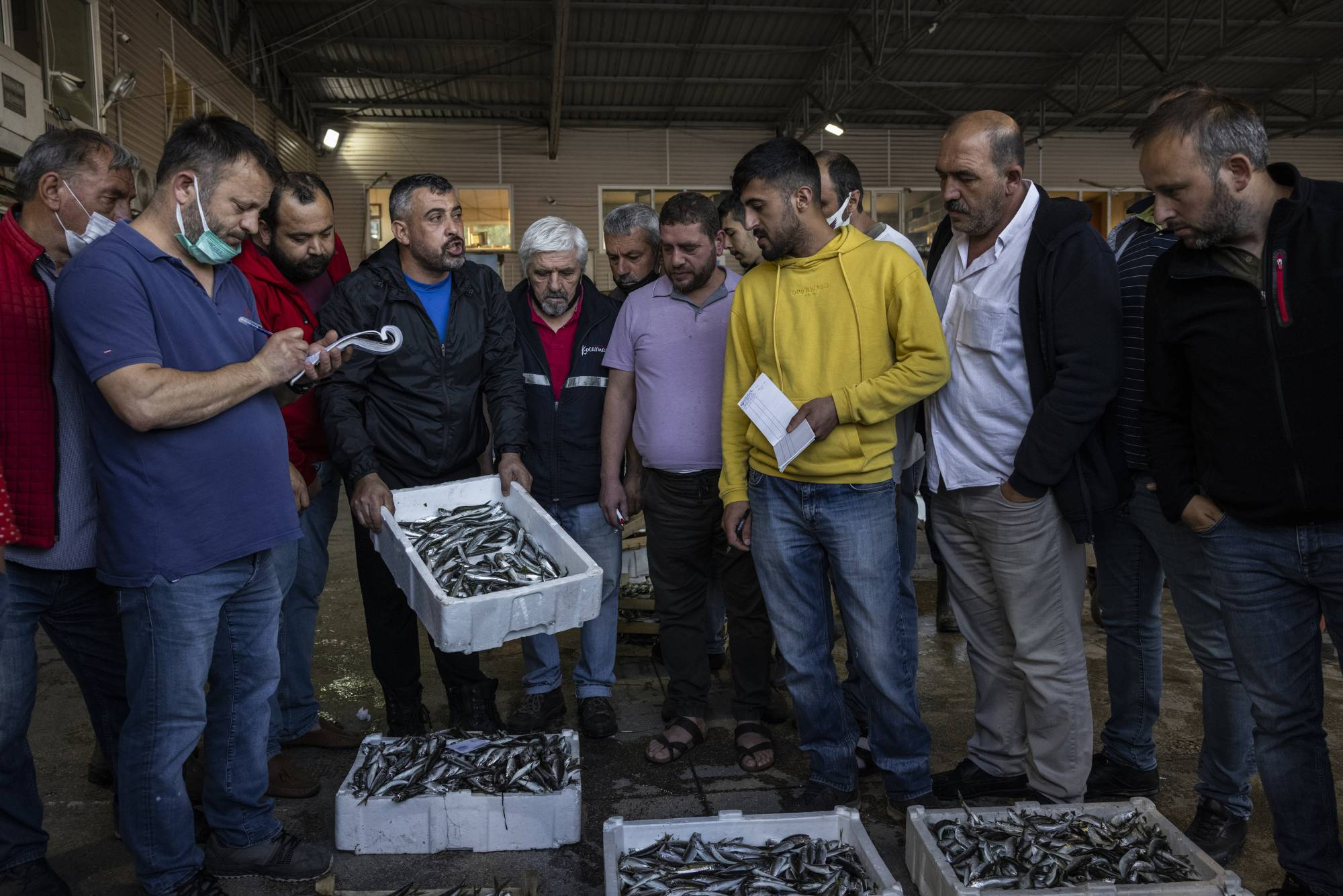 The mucilage in the Sea of Marmara is creating a crisis for the fishing industry: Customers are scared to eat the fish. | IVOR PRICKETT / THE NEW YORK TIMES