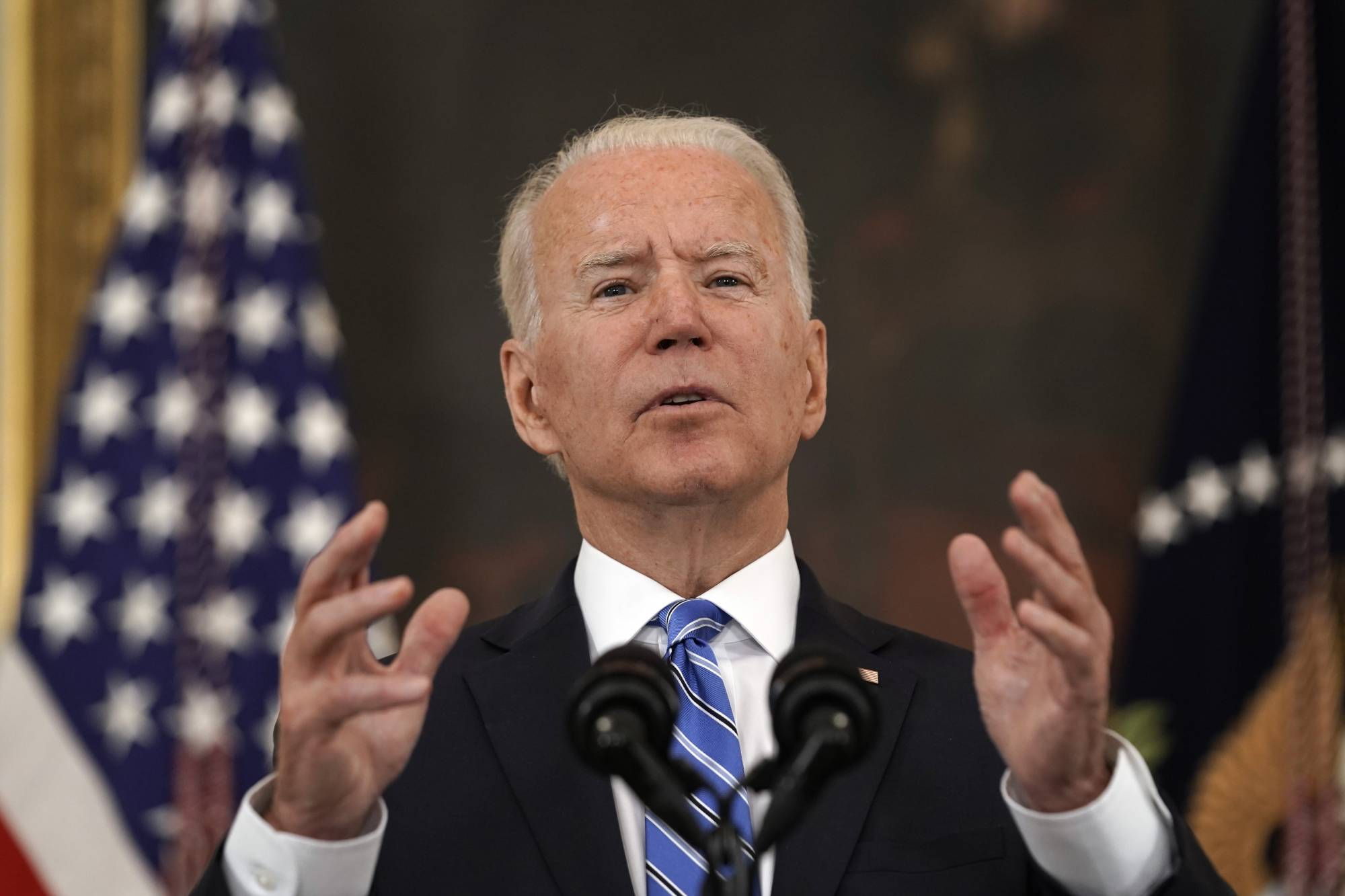 The administration of U.S. President Joe Biden has no immediate plans to levy economic sanctions on Chinese officials in response to the Microsoft Exchange hack that the U.S. blames on Beijing, sources have said.   BLOOMBERG