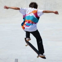 The immediate effect of Yuto Horigome winning the gold medal was seen in the fact that the Mount Fuji-motif shirt he wore during the competition Sunday was completely sold out on Nike's online store as of Monday morning. | REUTERS