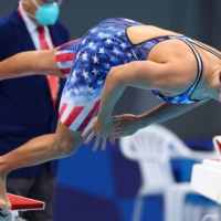 Katie Ledecky gets off the starting blocks on Tuesday at Tokyo Aquatics Centre.  | REUTERS