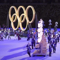 Actor Naoto Takenaka had been slated to perform in a segment in the first half of the Olympics opening ceremony dressed as a carpenter last Friday, but pulled out the day before for his past scandal.