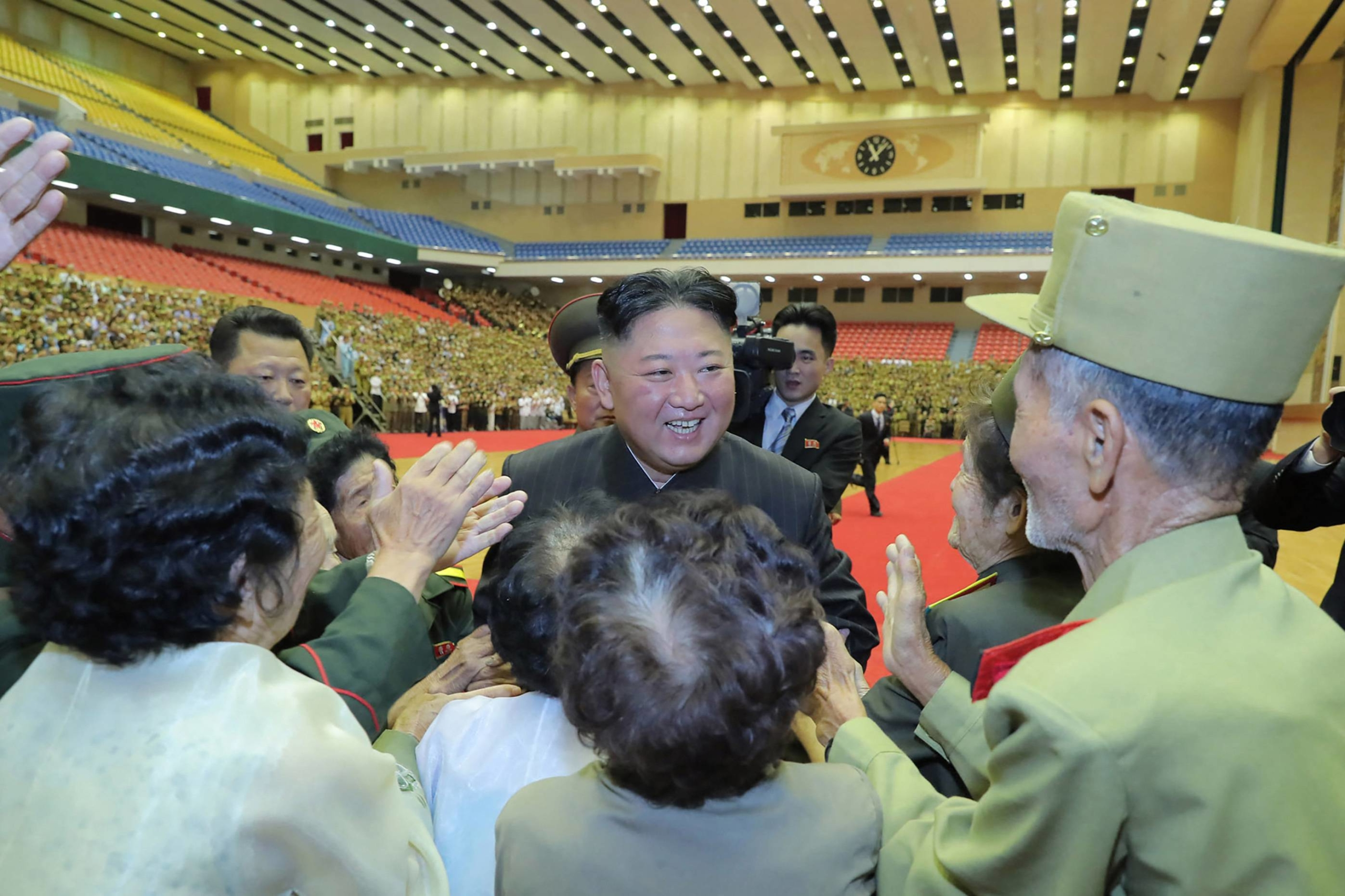 North Korean leader Kim Jong Un takes part in a photo session in Pyongyang on Thursday.   KCNA / KNS / VIA AFP-JIJI