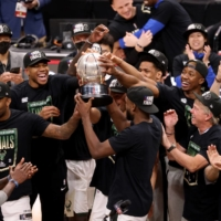 Bucks head to finals against Phoenix after ousting Hawks