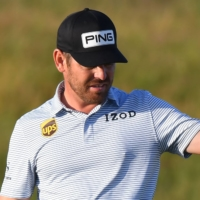 Louis Oosthuizen leads Collin Morikawa by one at the British Open