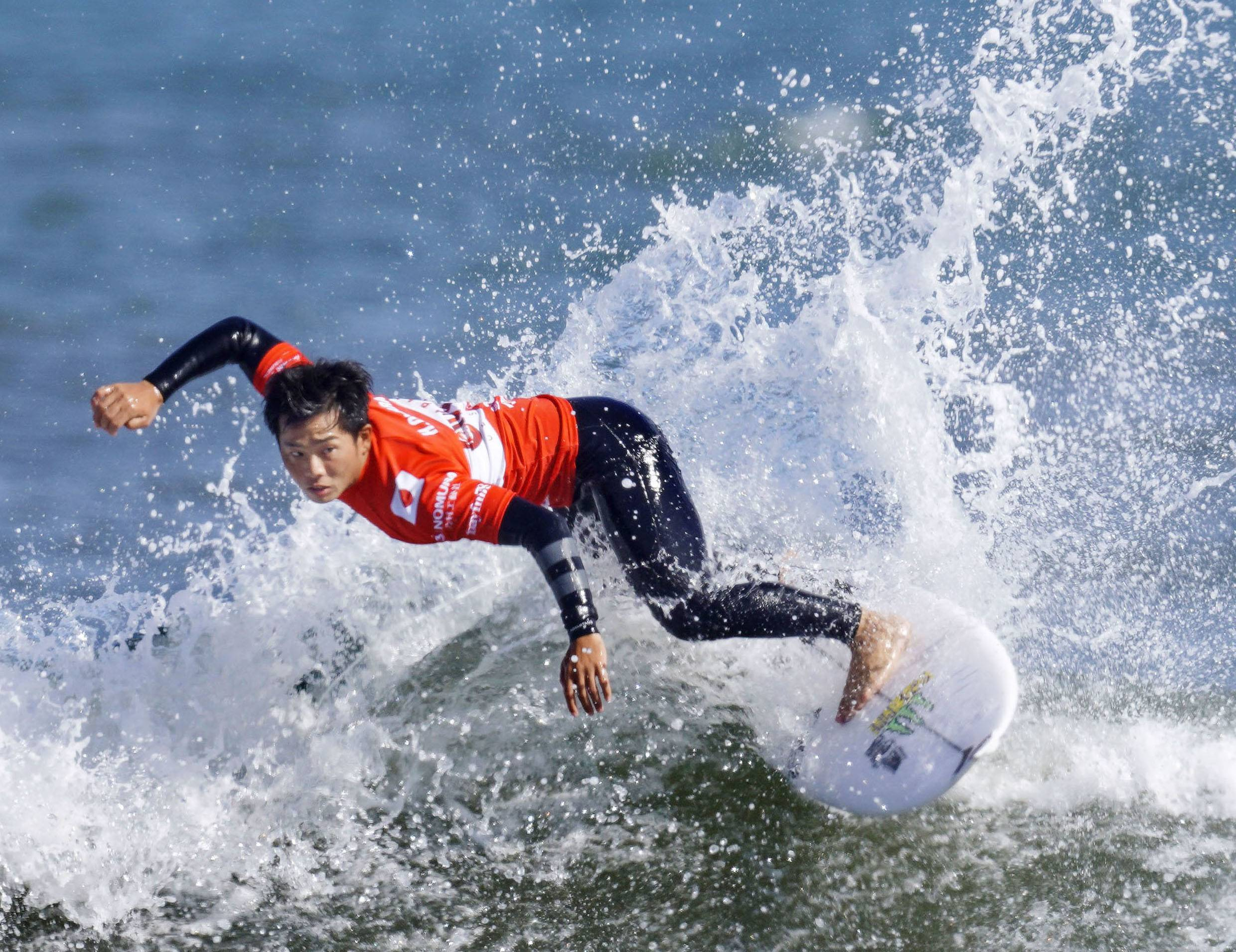Hiroto Ohara, who was born and raised in Ichinomiya, is one of the 40 surfers to compete in the Tokyo Olympics. | KYODO