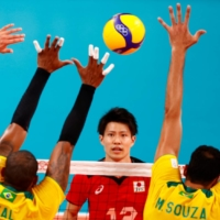 Brazil steamrolls Japan to move into men's volleyball semis