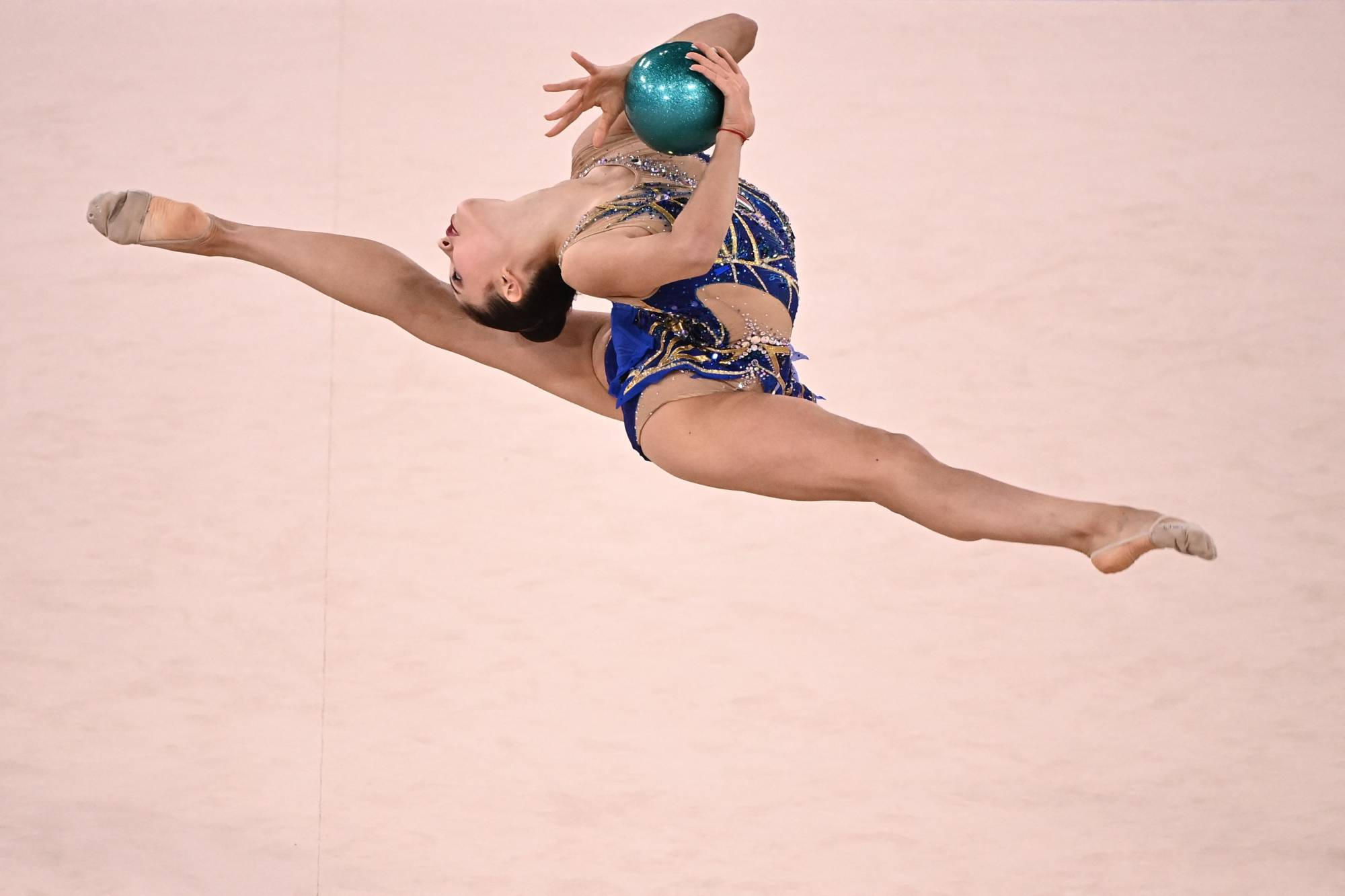 Italy's Milena Baldassarri competes in the individual all-around qualification of the rhythmic gymnastics event. | AFP-JIJI
