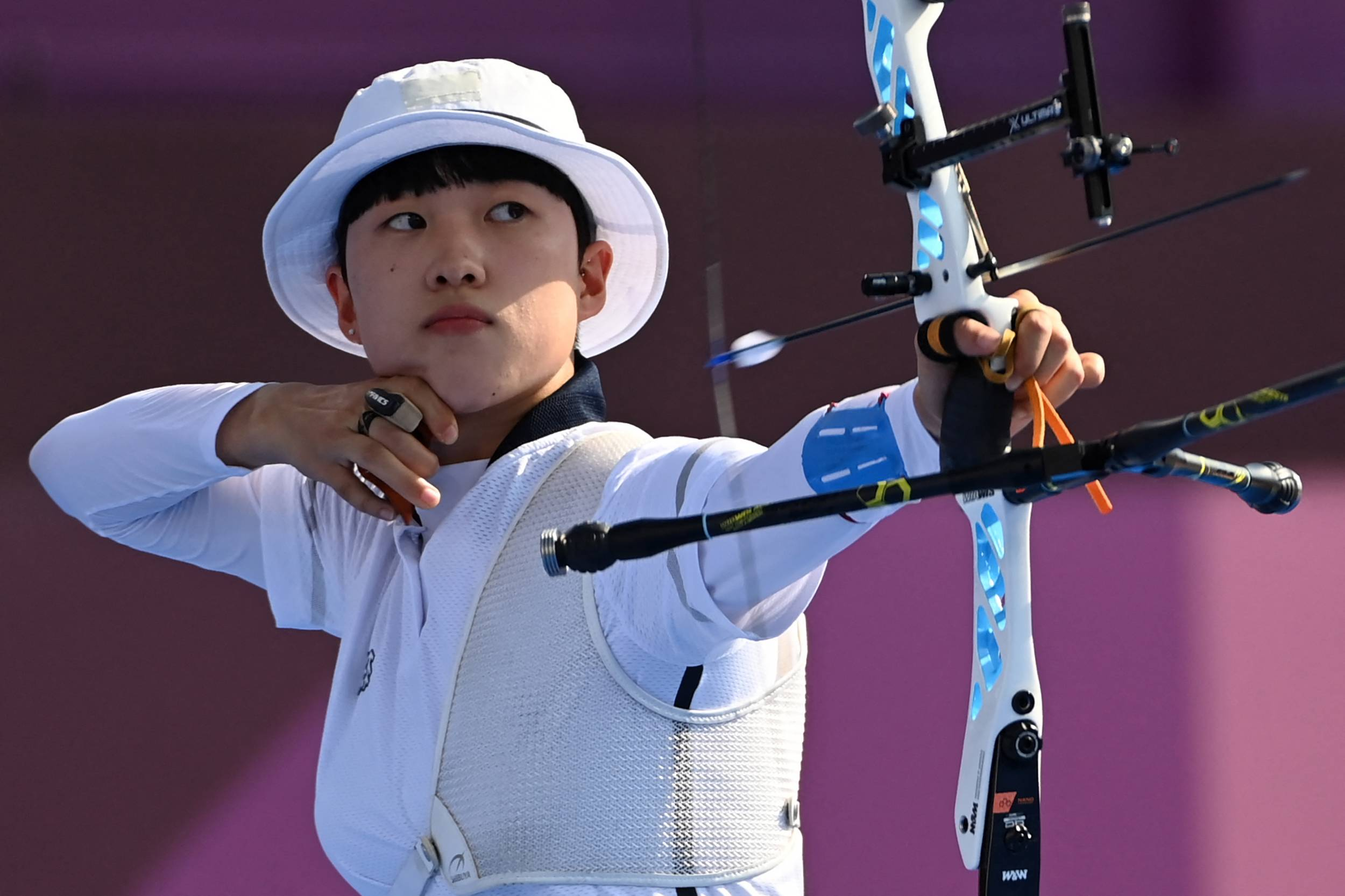 South Korea's An San competes in the mixed team quarterfinals during the Tokyo Olympics at Yumenoshima Park Archery Field in Tokyo on July 24   AFP-JIJI