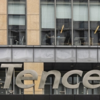 The majority of analysts rate Chinese tech giants including Tencent Holdings at least a 'buy,' according to Refinitiv data. | BLOOMBERG
