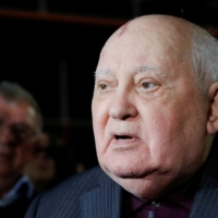 Former Soviet President Mikhail Gorbachev addresses the audience after the Russian premiere of the documentary film 'Meeting Gorbachev' in Moscow in November 2018.  | REUTERS