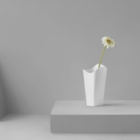Nendo's Circle+Square Vase looks like it changes shape, depending on which angle it is viewed from.  | AKIHIRO YOSHIDA