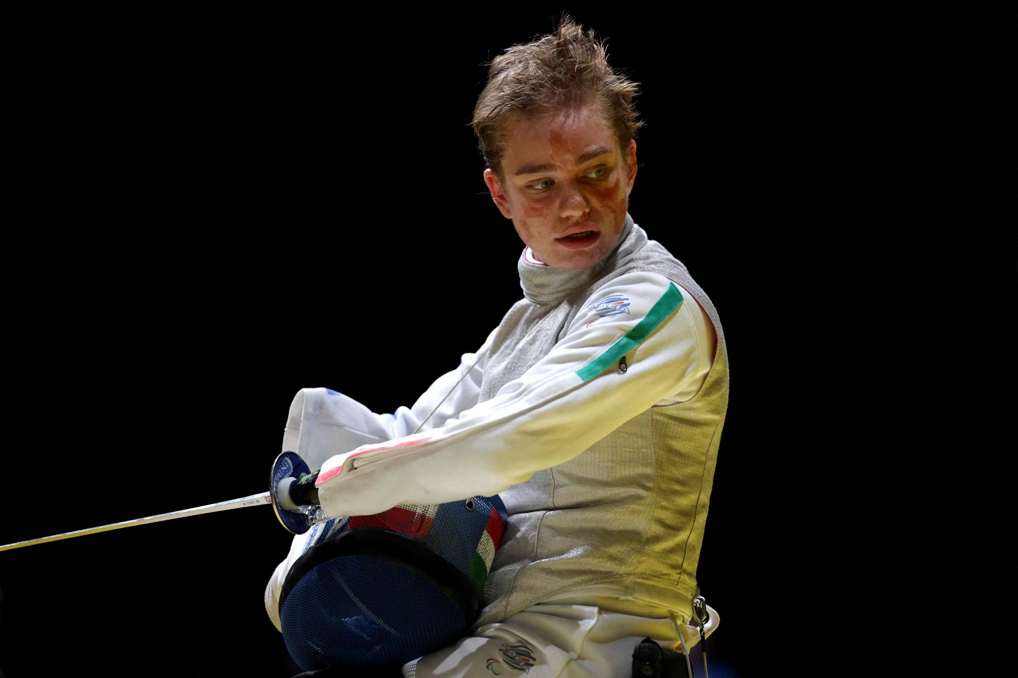 Italy's Beatrice Vio breezed through the preliminary rounds Saturday at Makuhari Messe before defeating China's Jingjing Zhou 15-9 in the final match of women's foil category B. | AFP-JIJI