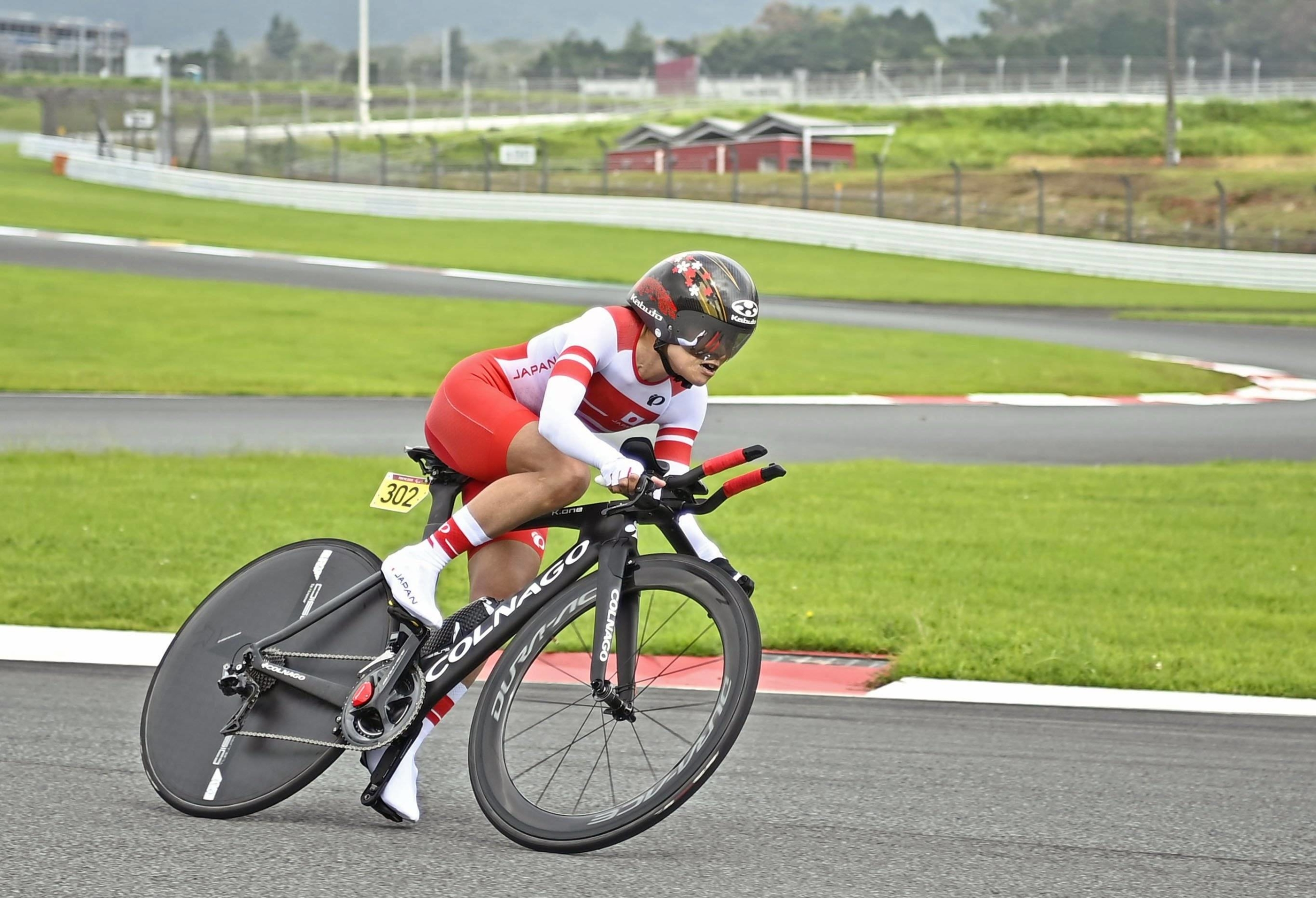 Keiko Sugiura competes in the women's C1-3 road cycling time trial   KYODO